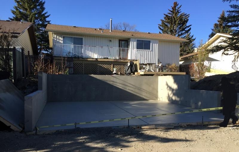 5 ft concrete walls